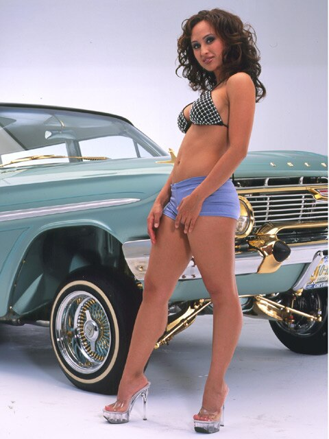 Lowrider Magazine 2004 January - Volume 26 Issue 1