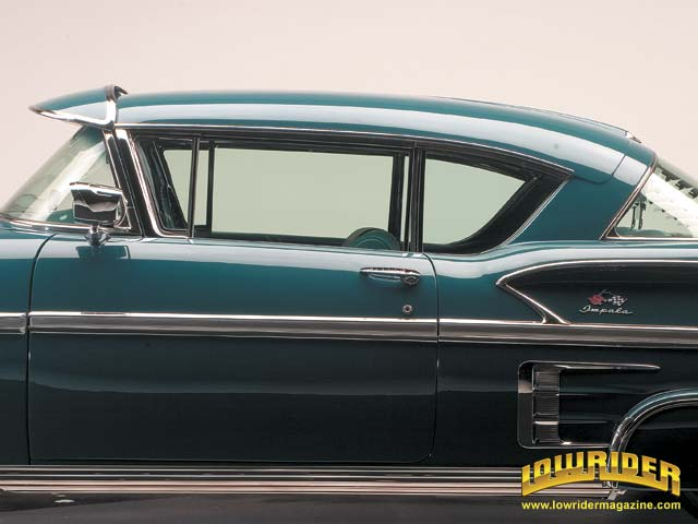 0603-z-1958-chevrolet-impala-side-detail-view1