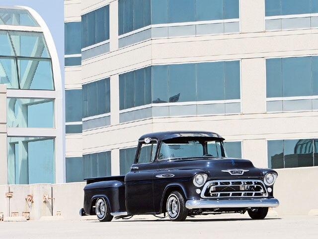 0611lrmp_01z-1957_chevrolet_pickup-front1