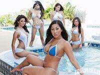 0611_lrms_01_pl-annie_leon_lowrider_girls_model-girls
