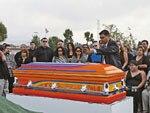 0702_lrmp_01_pl-casket-funeral