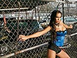 lrms_0725_07_pl-sheena_lee-next_to_fence