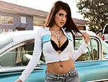 lrms_0828_01_pl-monique-posing_next_to_car