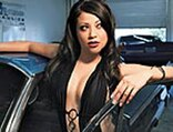 lrms_0828_03_pl-lowrider_models-getting_out_of_car