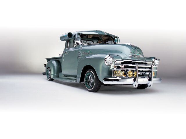 lrmp-0808-01-z-1952-chevrolet-pickup-front-view.jpeg1