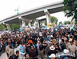 lrmp_0901_01_pl-chicano_park-crowd