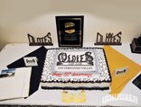 lrmp_0903_03_pl-oldies_car_club-anniversary_cake