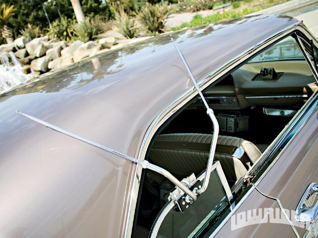 0908-lrmp-02-z-1964-chevy-impala-ss-rear-window