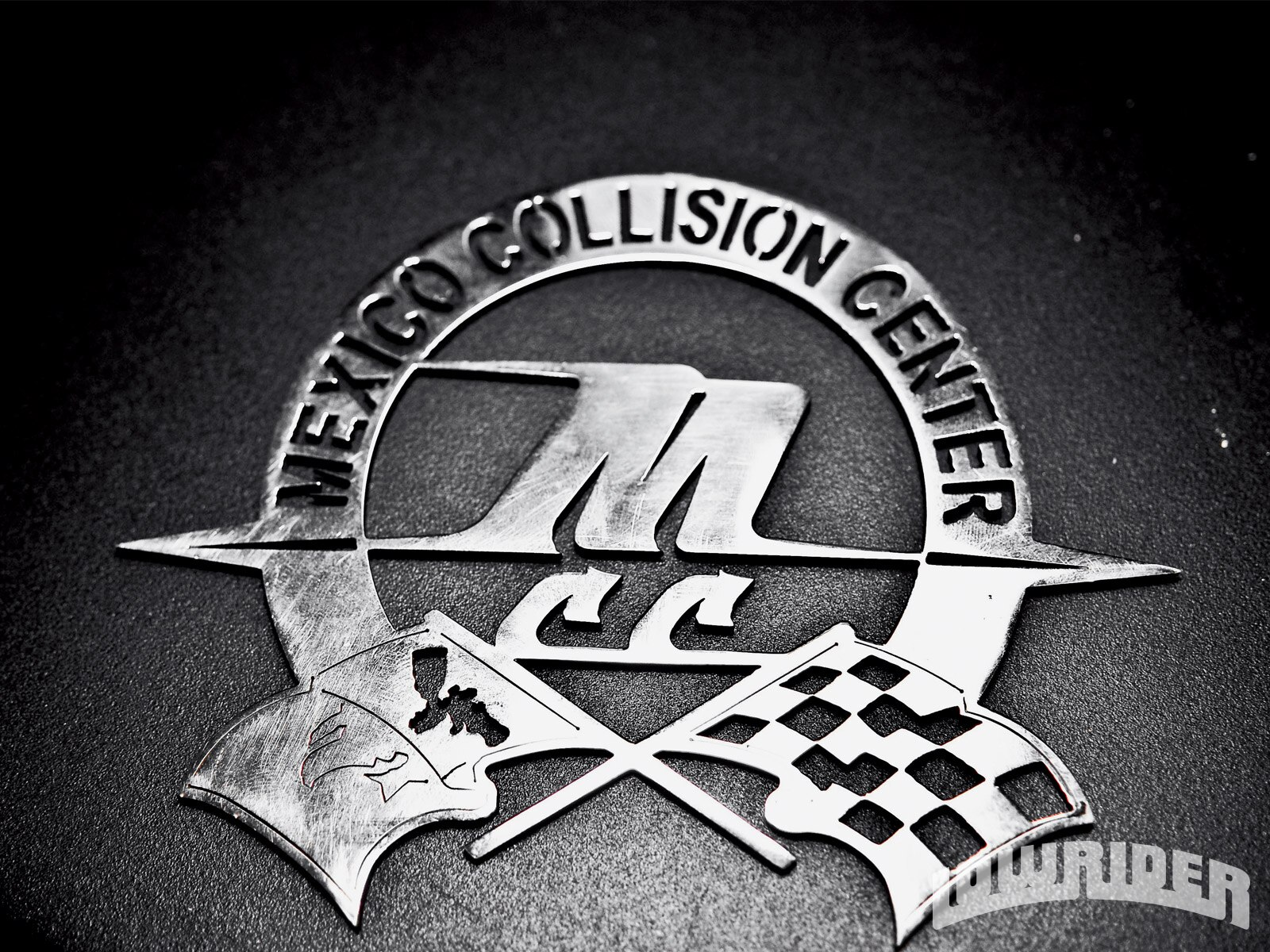 lrmp_0911_01-mexico_collision_center-emblem4