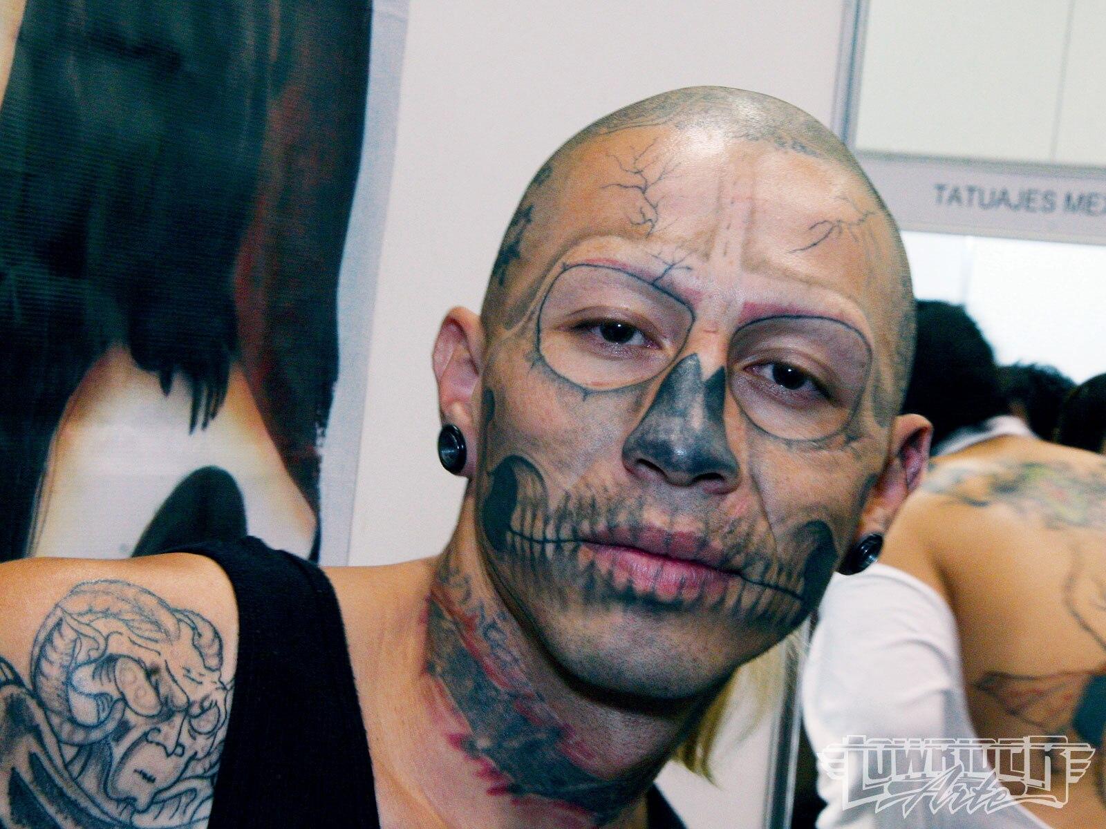1001_lrap_01_o-mexico_city_tattoo_convention-skull_face3