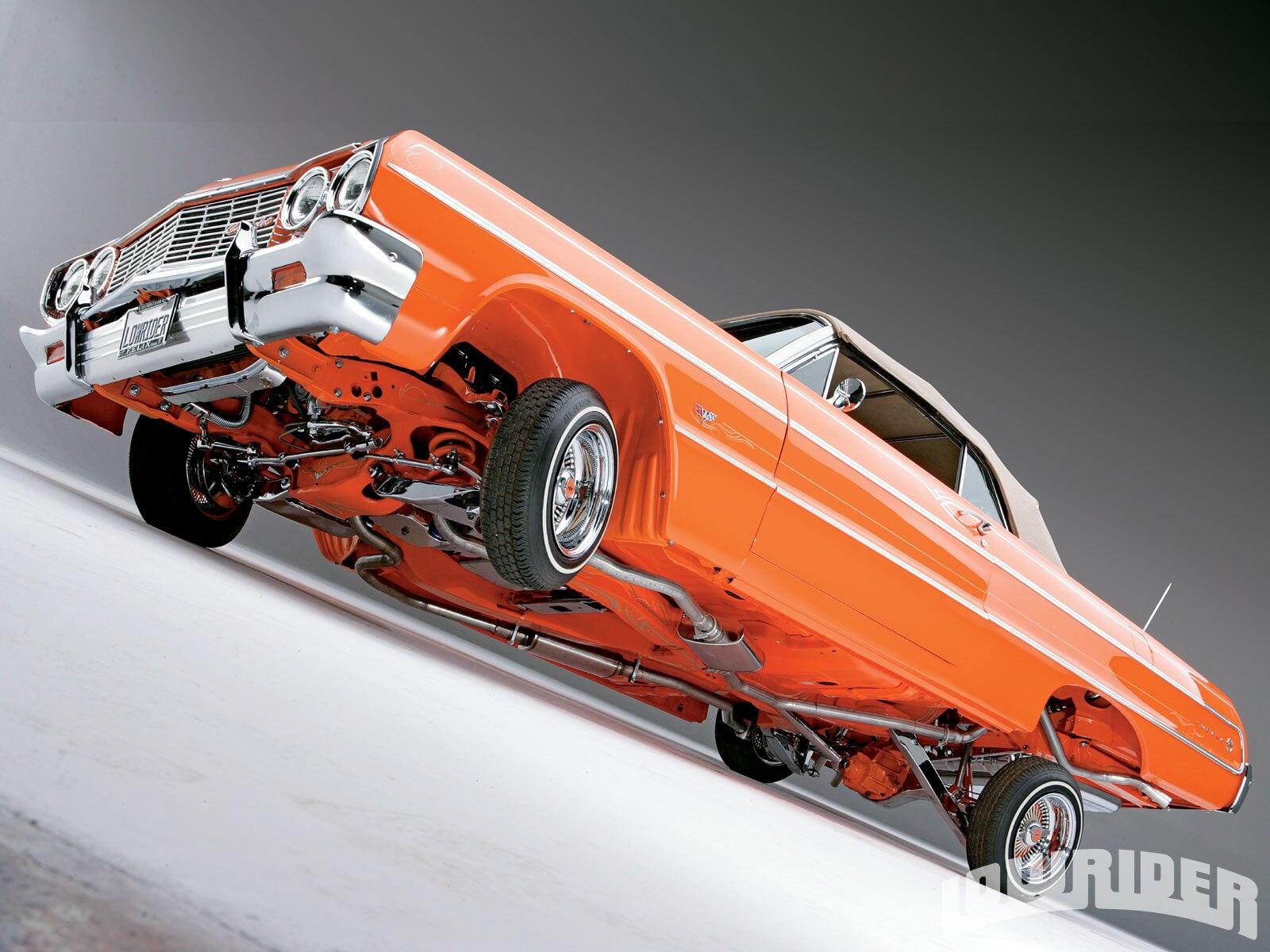 lrmp-0912-04-1964-chevrolet-impala-convertible-3-wheelin2