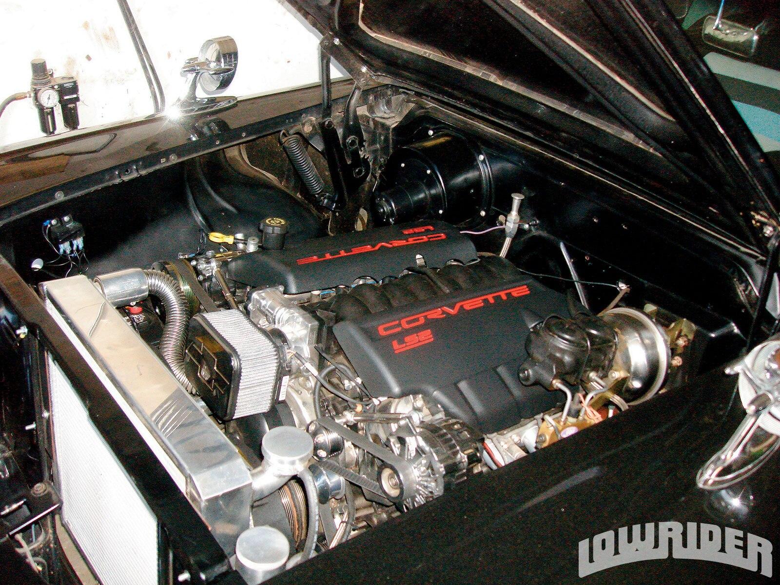 lrmp_1001_01_o-general_motors_ls_series_engine_build-1958_chevy_impala3