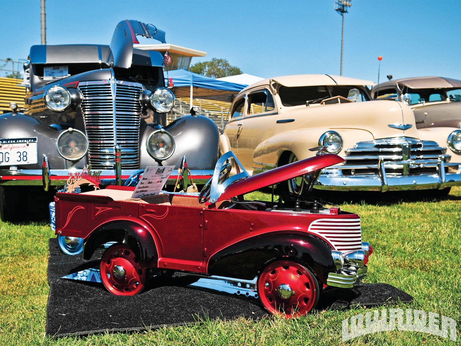 San Fernando Valley Car Show - Oldies Car Club - Lowrider Magazine