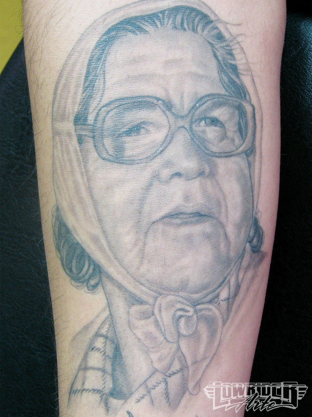Старые бабы с тату 14 фотография