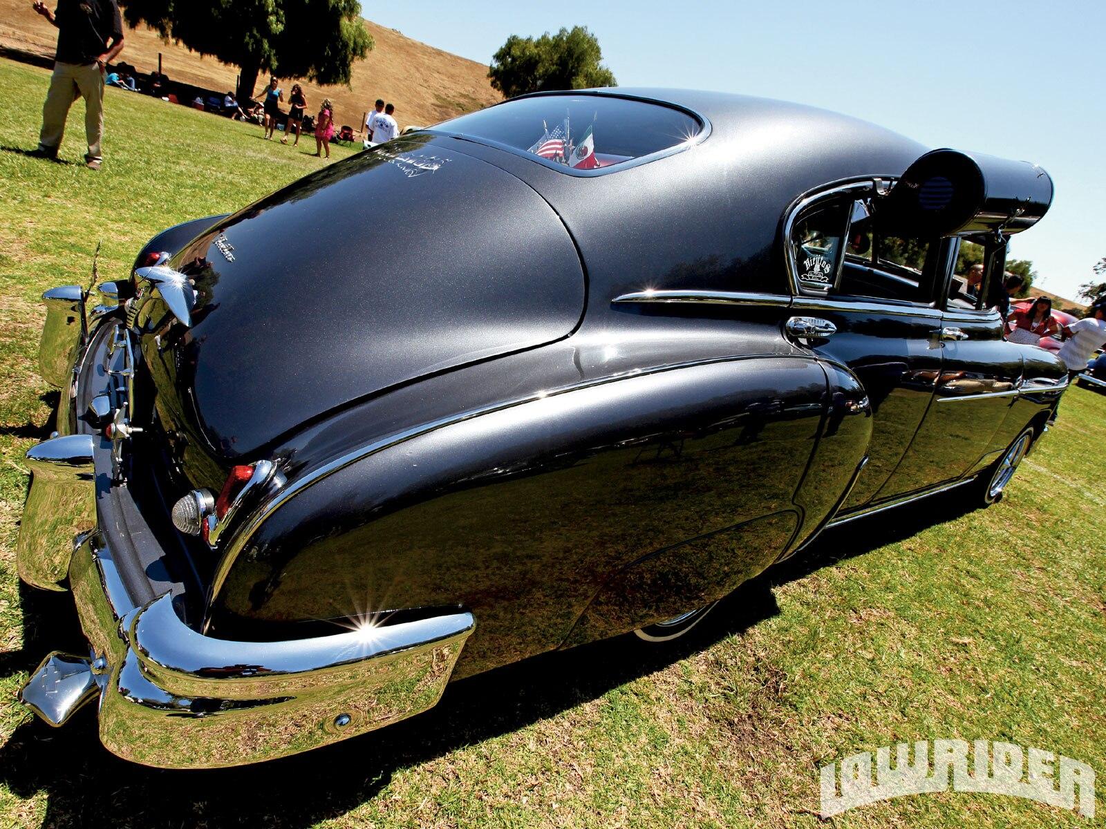 In The World Of The Viejitos - Car Club Profile - Lowrider Magazine