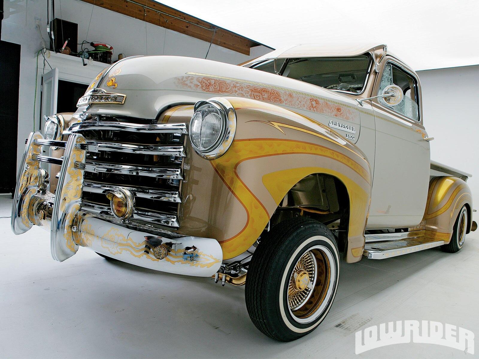 lrmp-1008-08-o-1951-chevrolet-pickup-front-view1