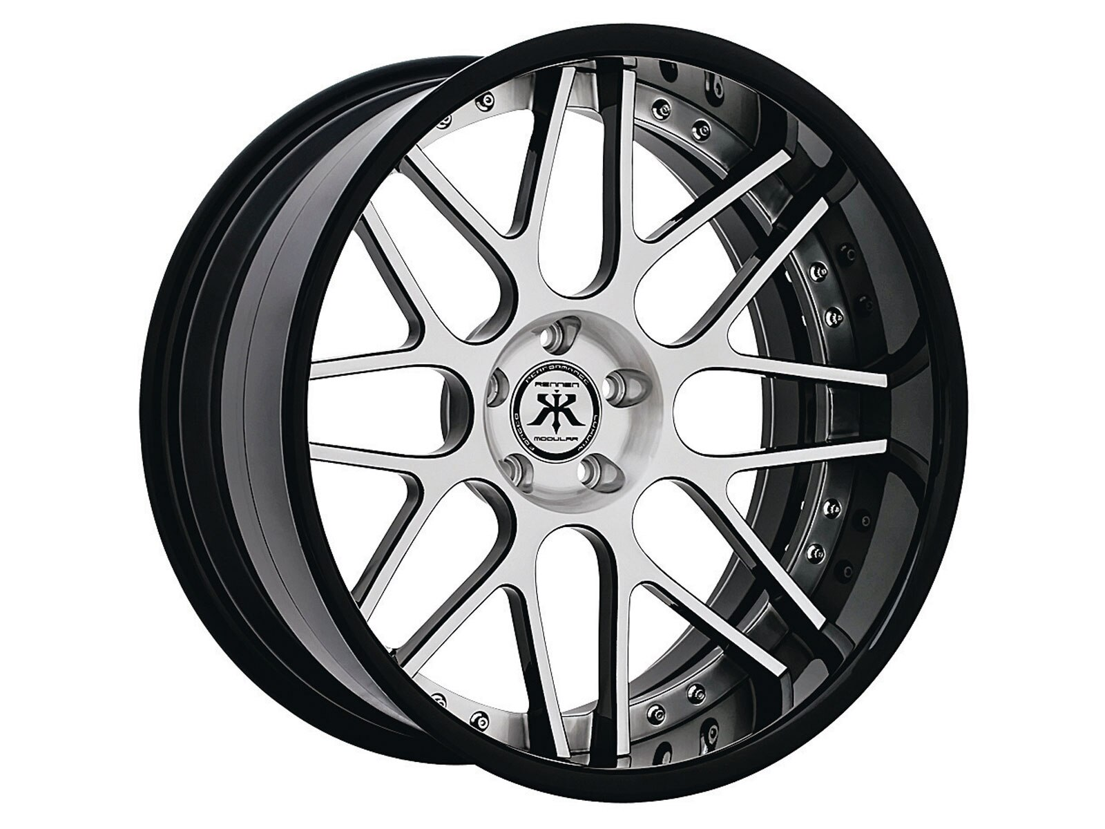 lrmp_1008_01_o-products_august_2010-luxury_wheels2