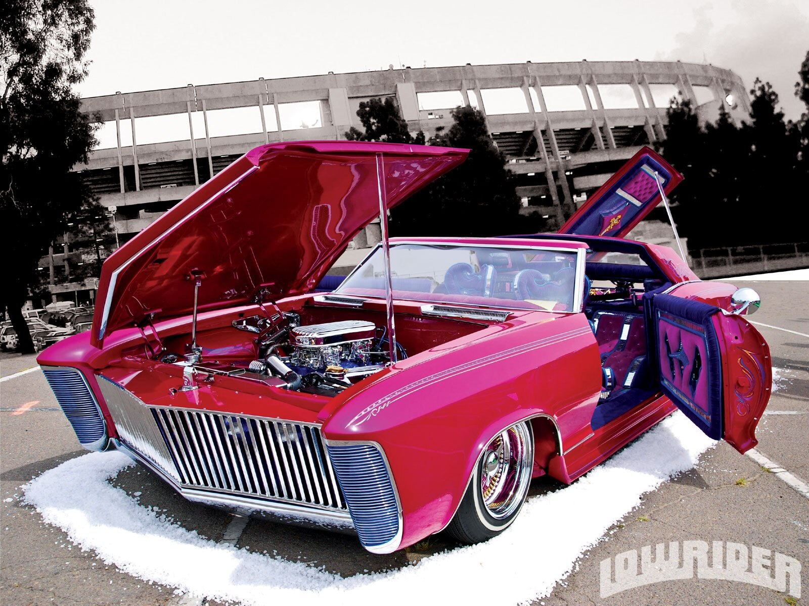 1009-lrmp-01-z-2010-experience-tour-san-diego-california-lowrider-front-driver-side-view2