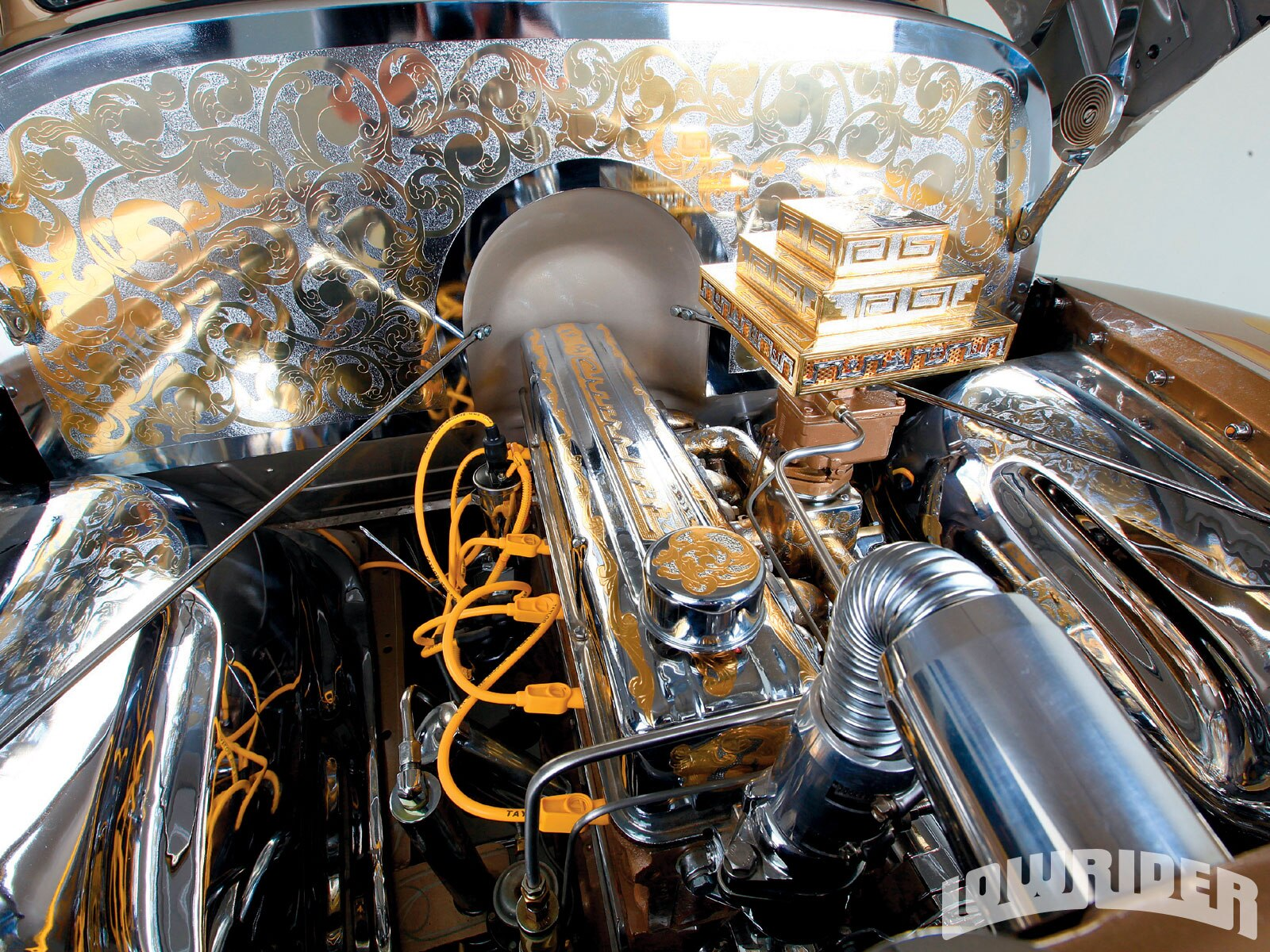 1009_lrmp_01_z-1951_chevrolet_pickup-engine2