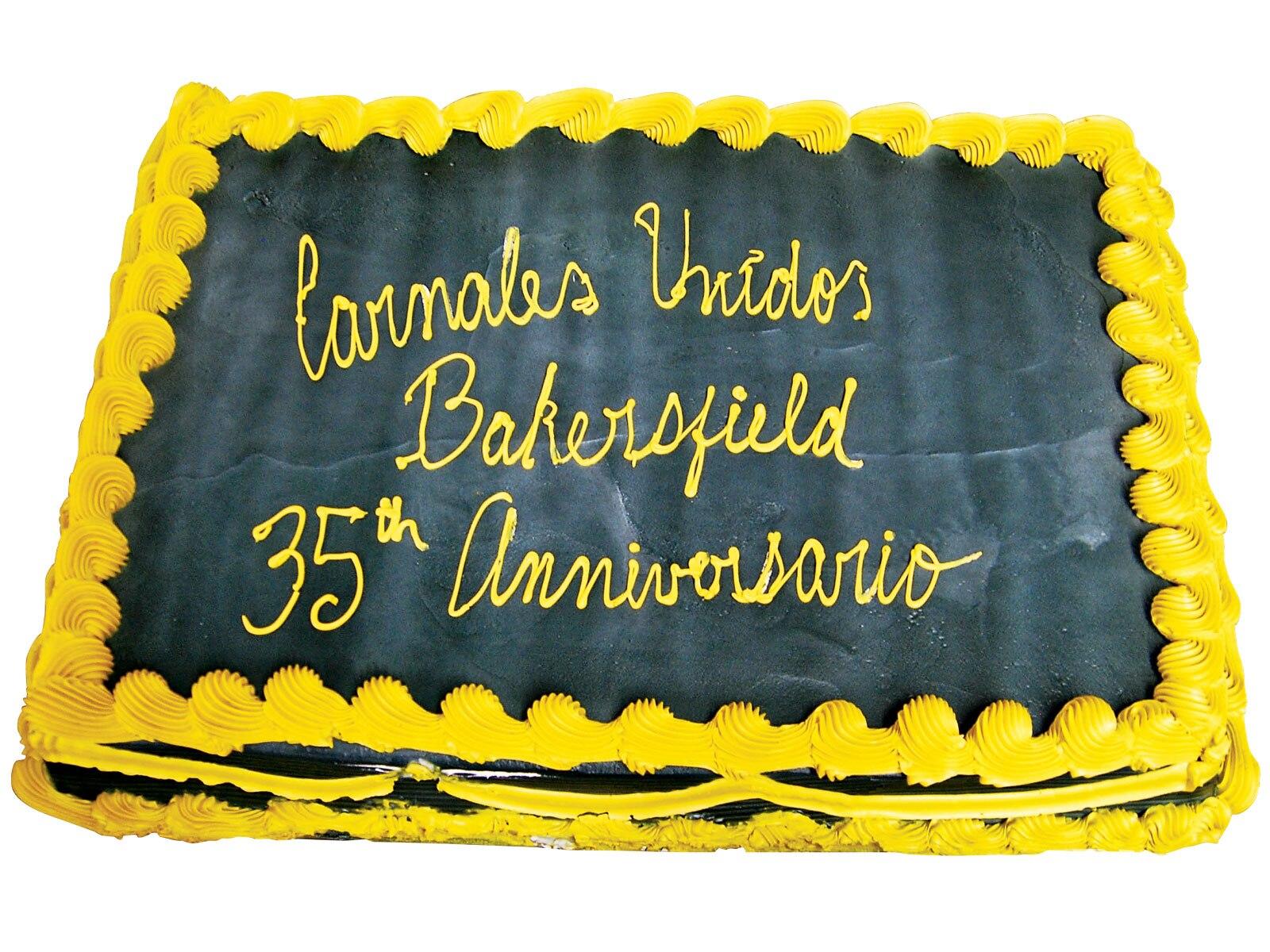 1009_lrmp_01_z-carnales_unidos_car_club-cake2