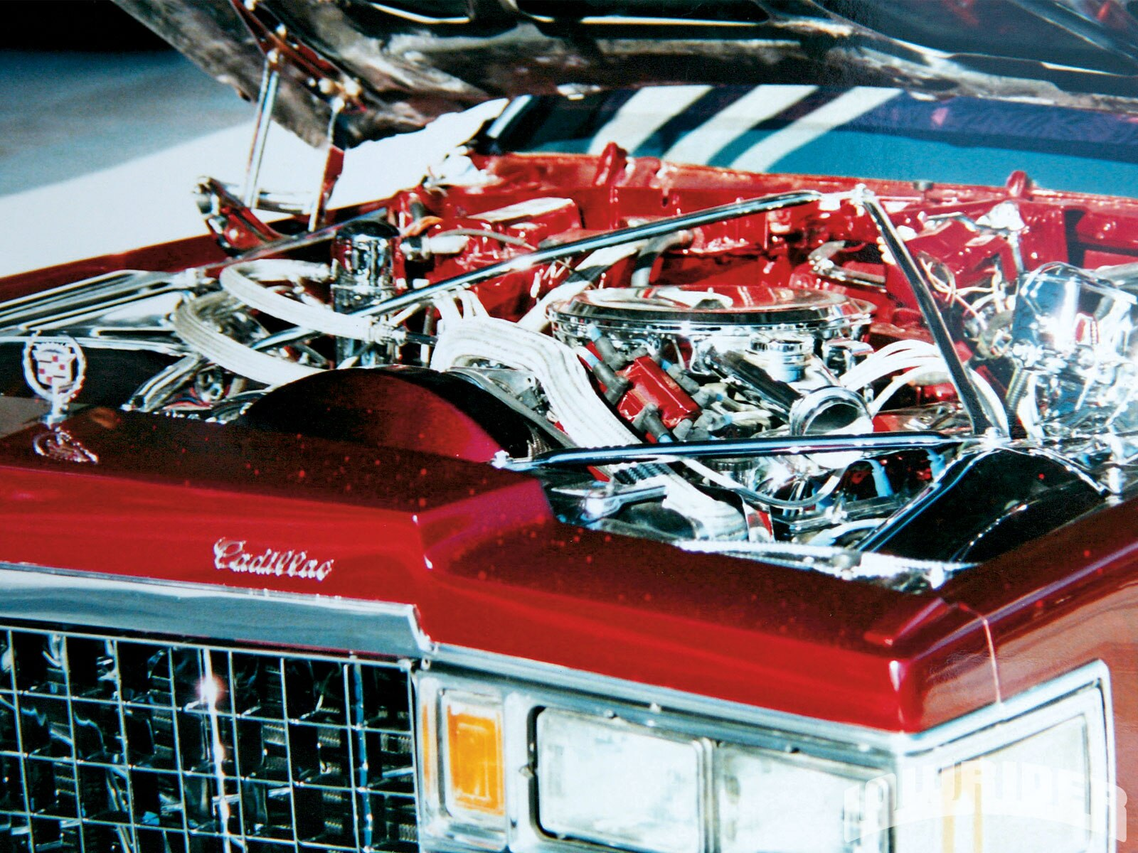 lrmp-1010-05-o-1978-cadillac-coupe-de-ville-engine-bay1