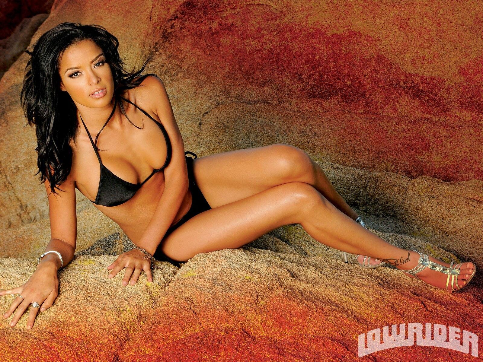 Lowrider bikini models