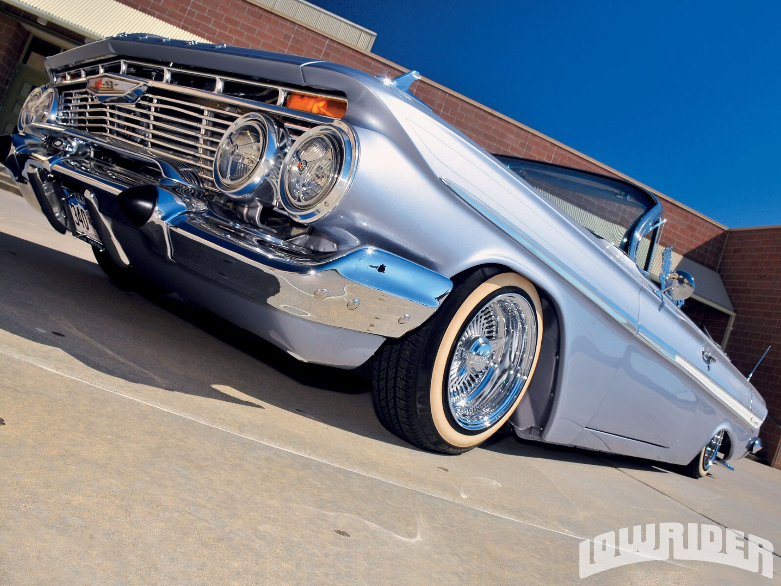 lrmp_1101_02_o-1961_chevrolet_impala_convertible-front3