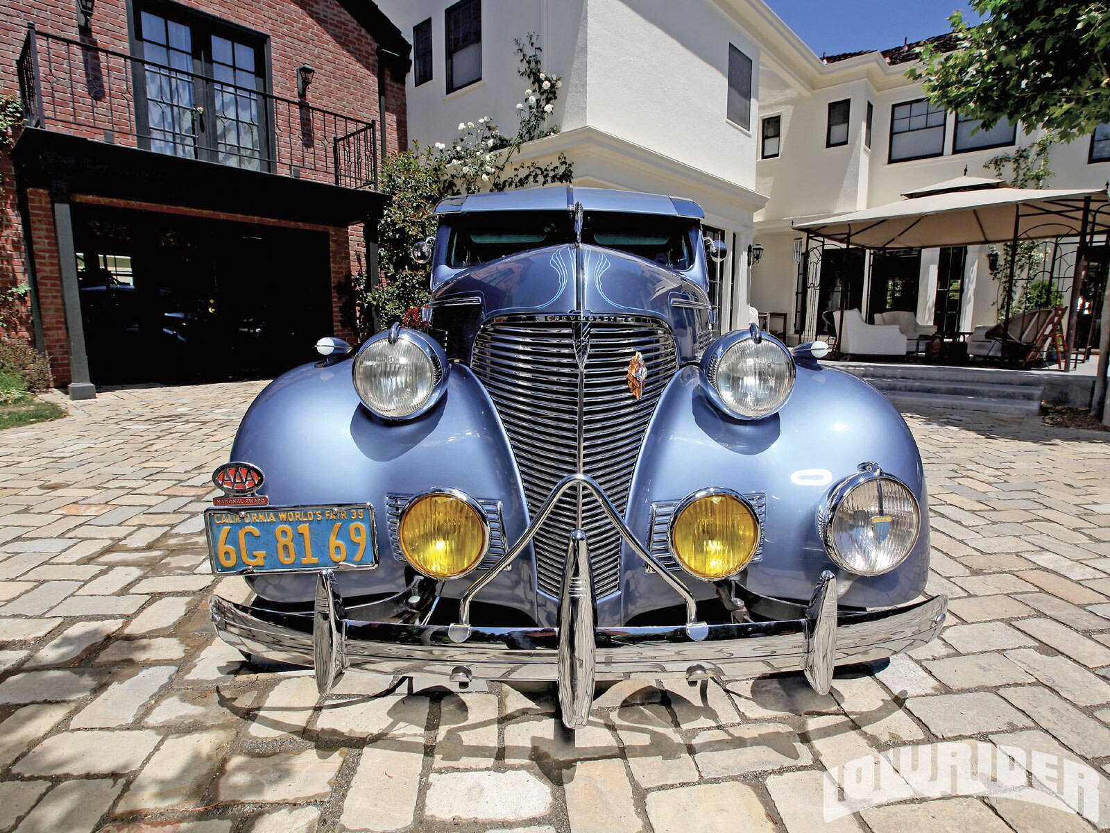 1103_lrmp_01_o-1939_chevrolet_master_deluxe-front_view2