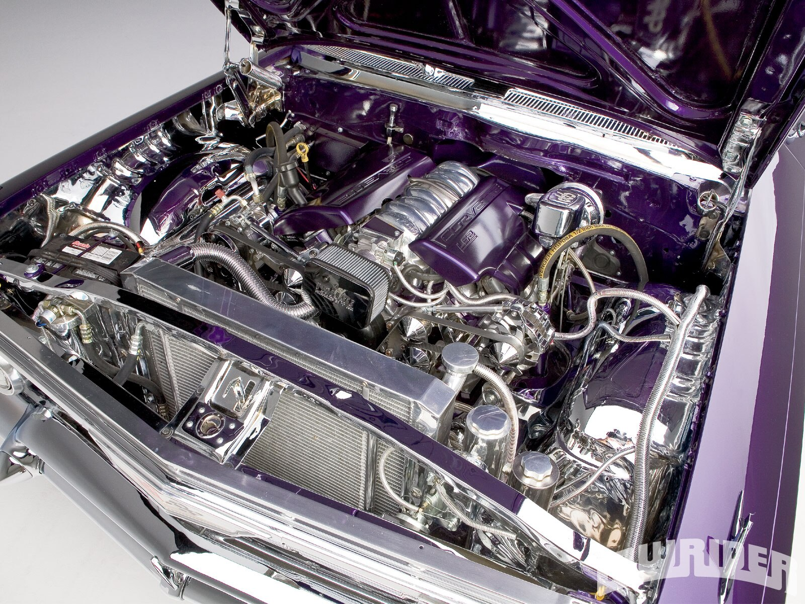 1103_lrmp_01_o-1961_chevrolet_impala-engine_bay2