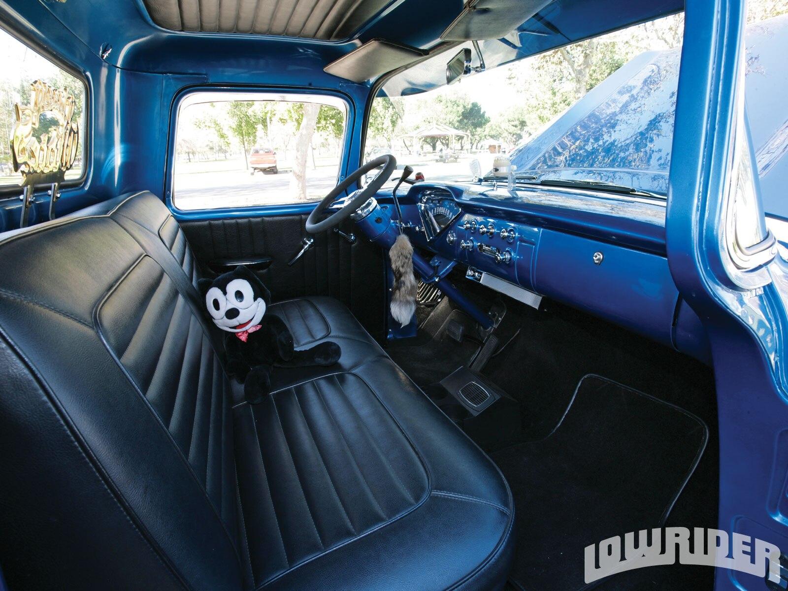 Lrmp O Chevrolet Apache Front Seat