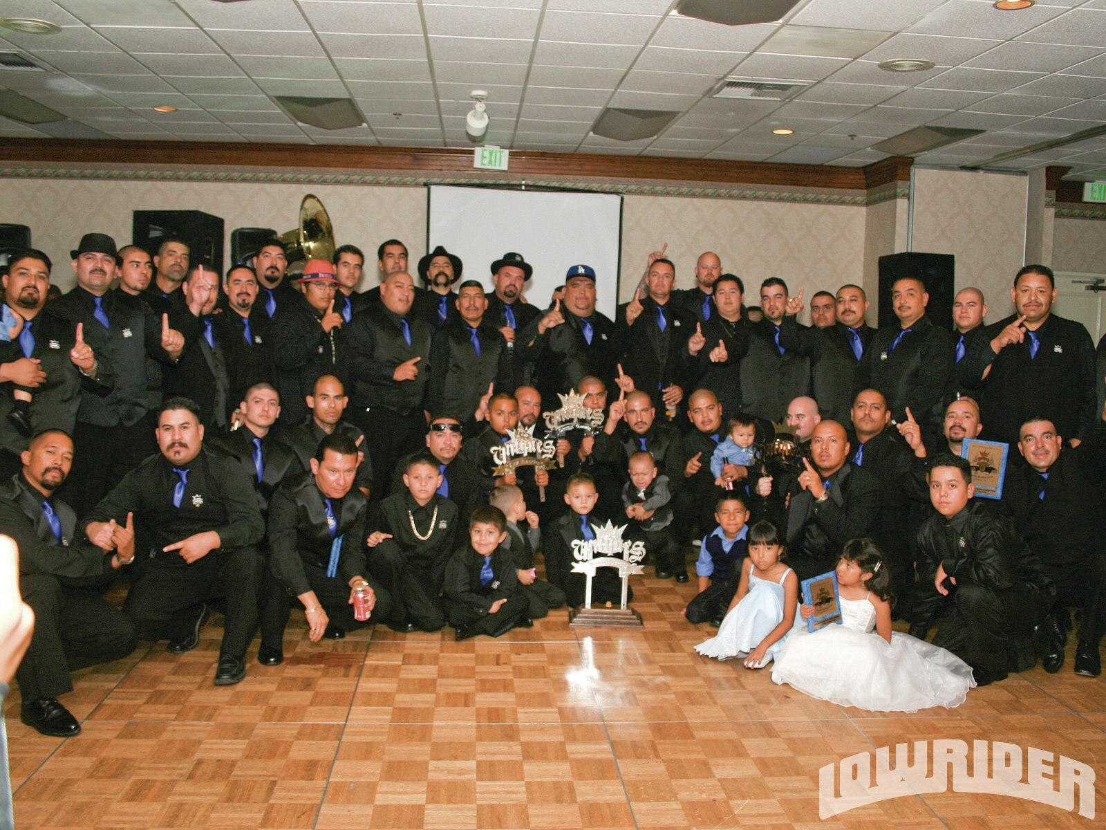 lrmp_1105_01_z-uniques_20th_anniversary-group_photo4