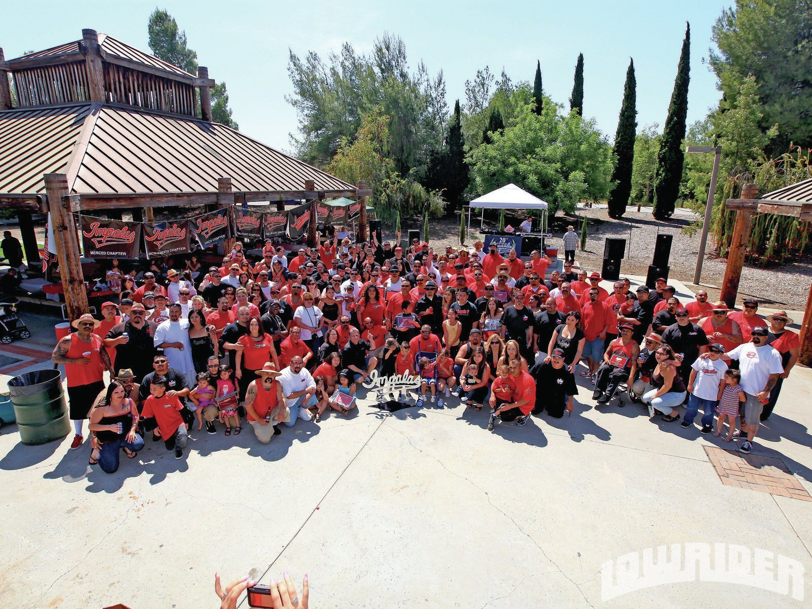 lrmp_1106_01_z-impalas_car_club_20th_anniversary-group_photo3