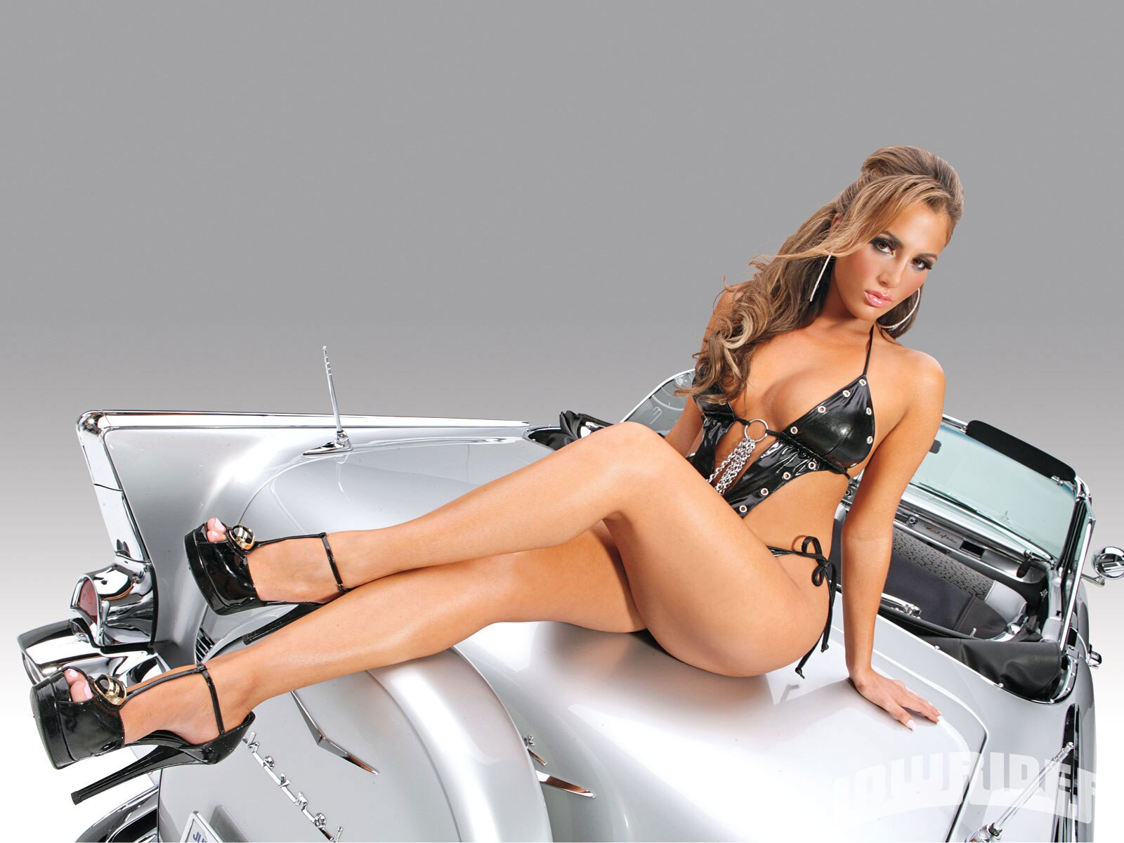 1105-lrms-04-o-natalin-avci-lowrider-girls-model-2