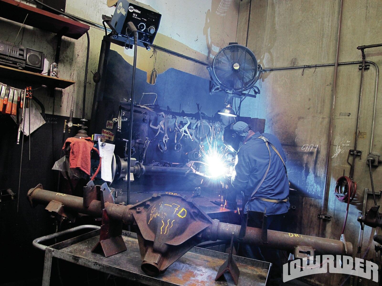 lrmp_1108_01_z-currie_rear-welding4