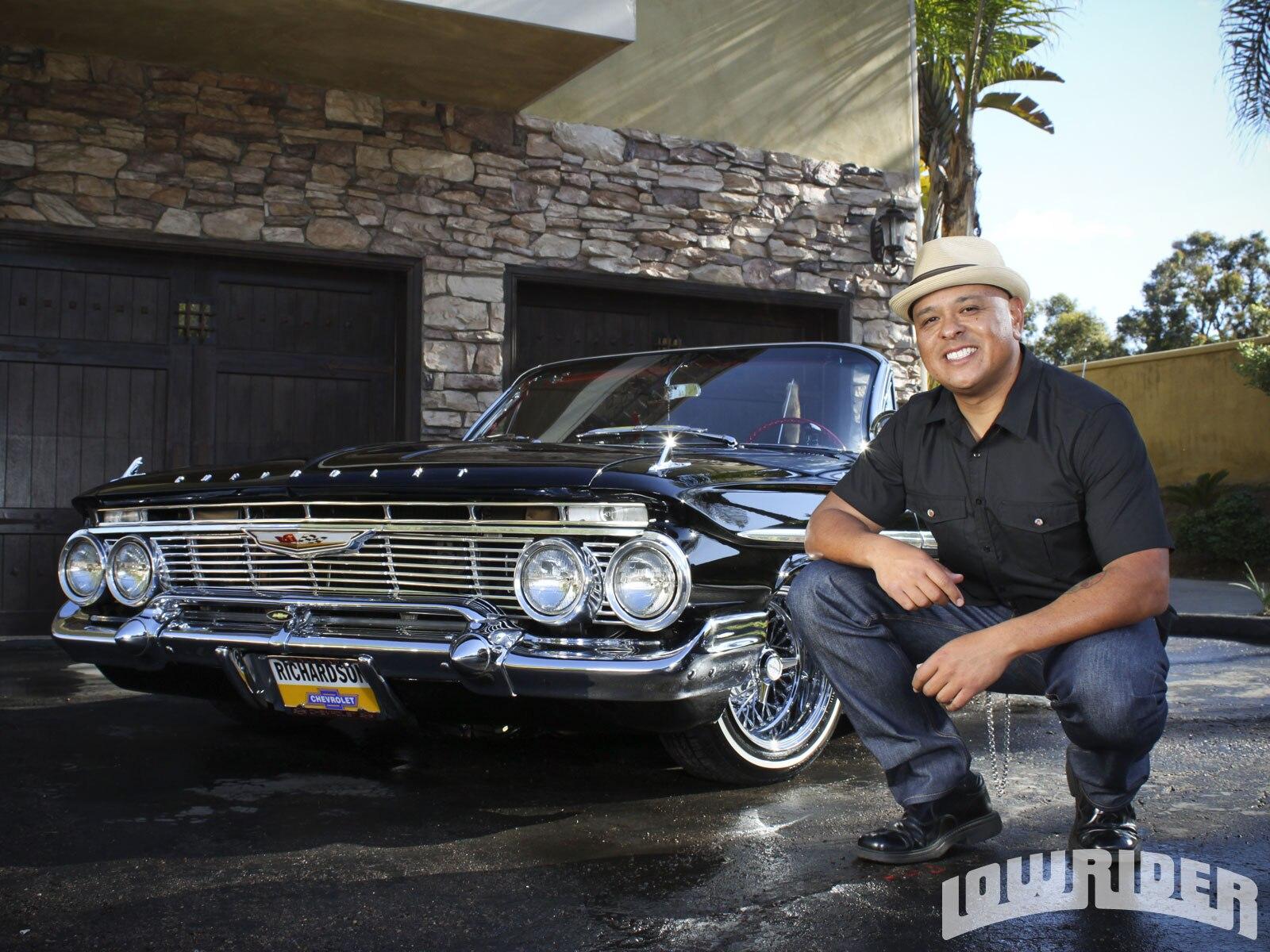 1110-lrmp-12-o-1961-chevrolet-impala-ragtop-x-man.JPG2