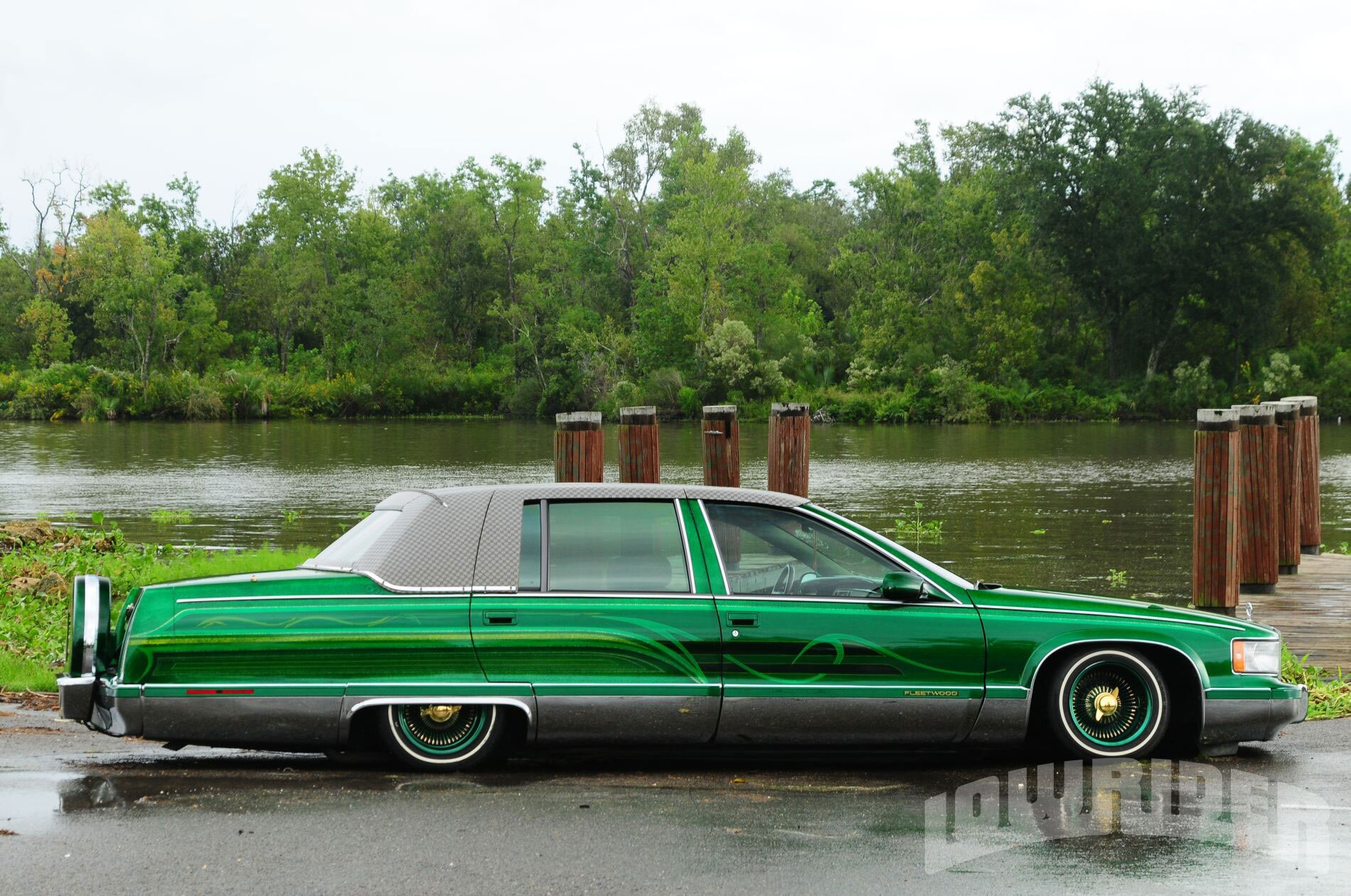 lrmp-1111-03-o-1995-cadillac-fleetwood-side2