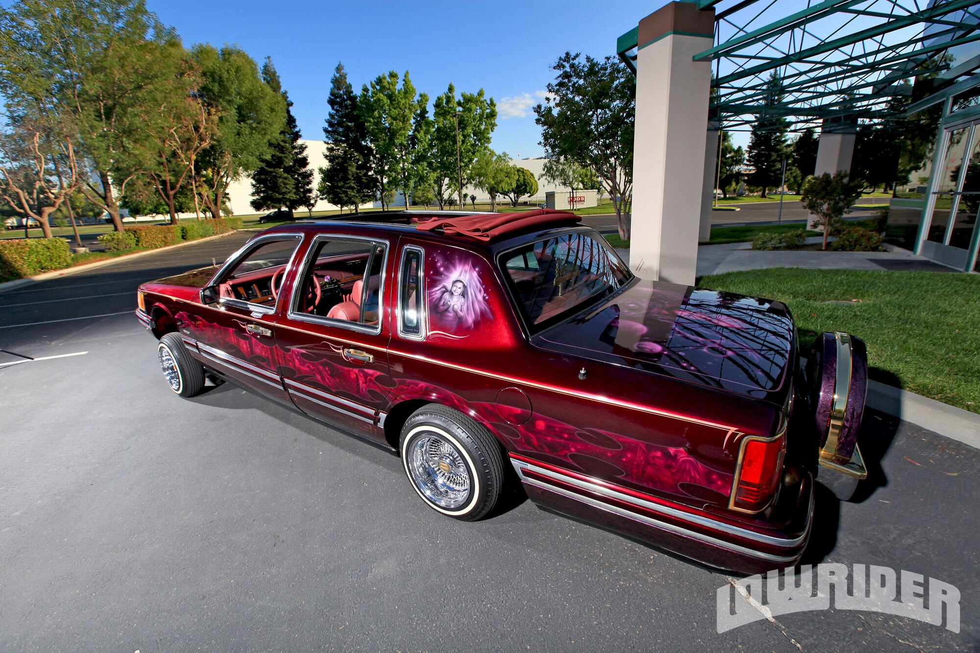 lrmp-1112-01-o-1994-lincoln-town-car-side2