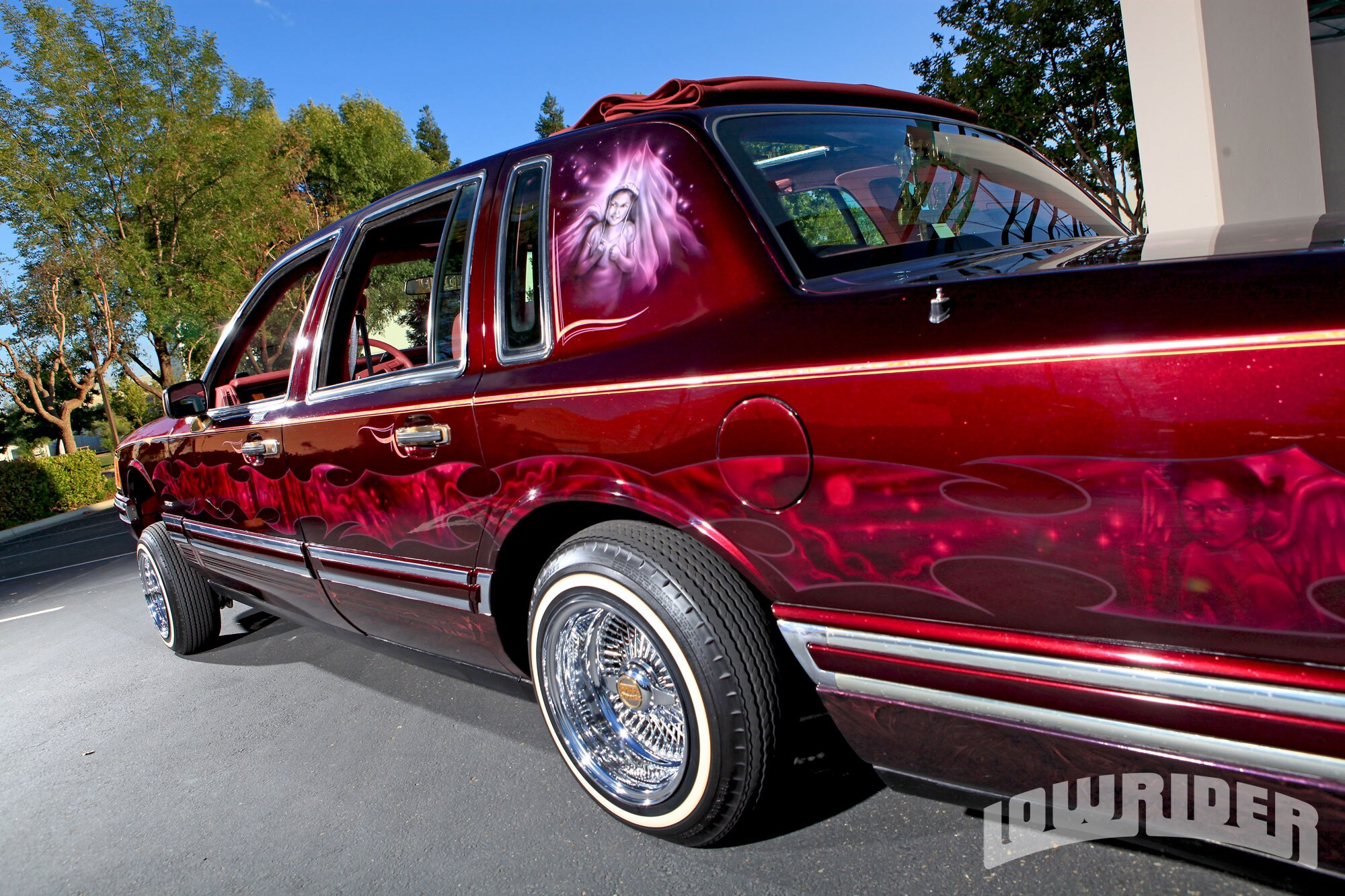 1994 lincoln town car lowrider magazine for Custom automotive paint