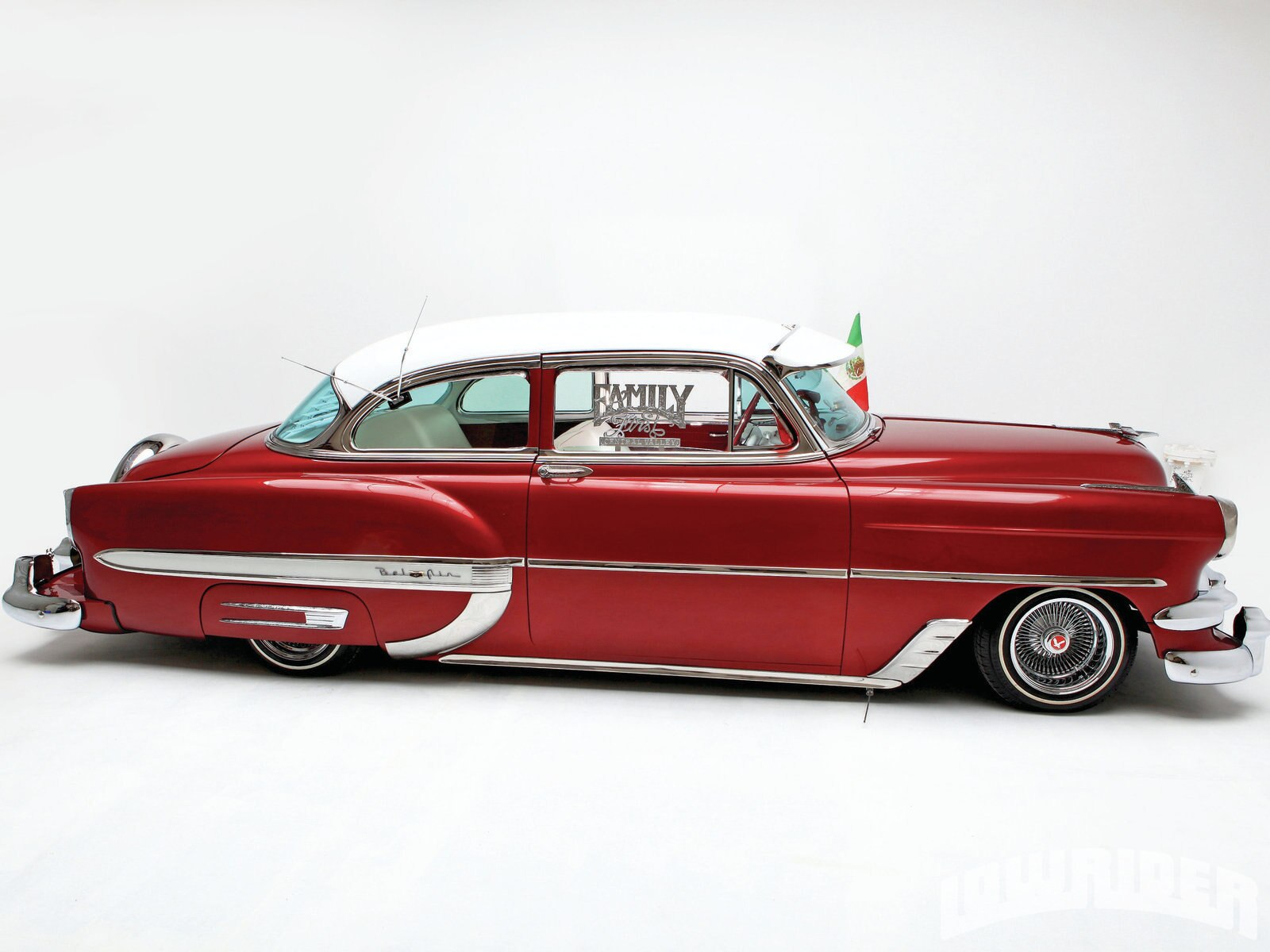 1201-lrmp-10-o-1954-chevrolet-bel-air-passenger-side-view1