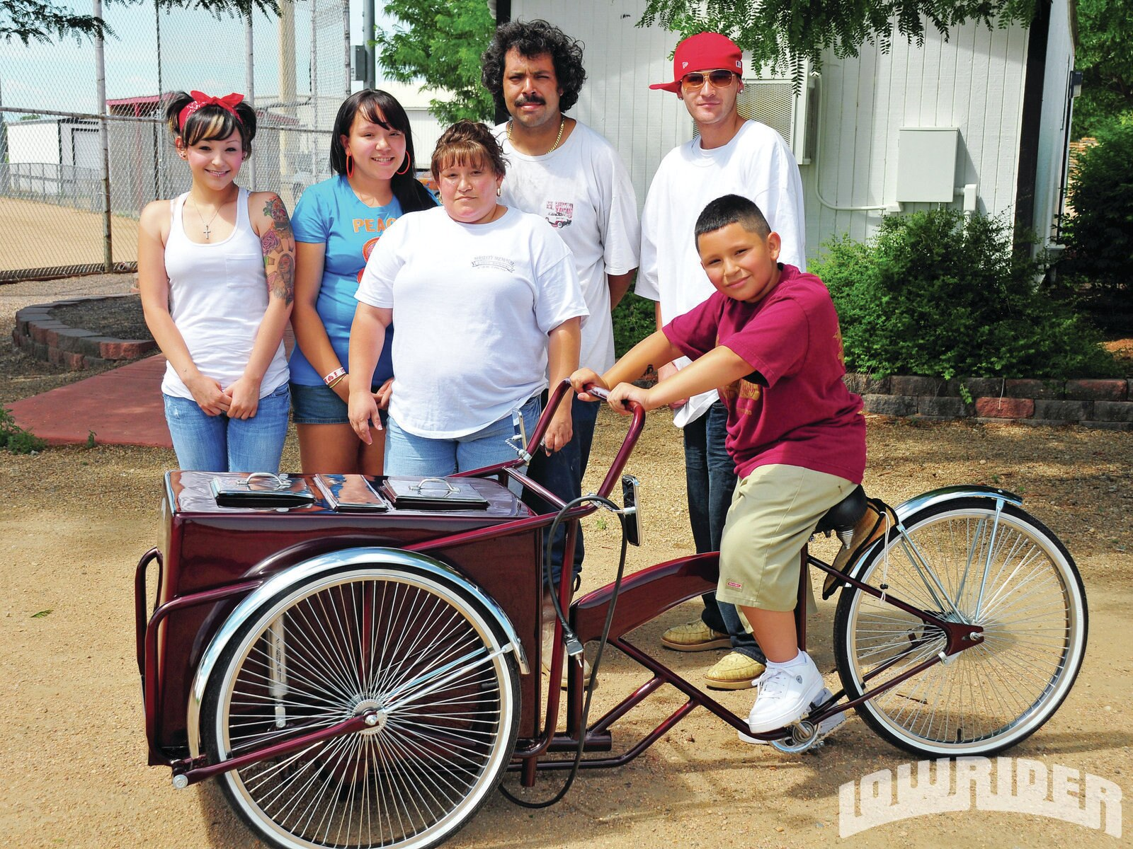 1203-lrmp-01-o-70s-schwinn-paleta-bicycle-ramos-family1