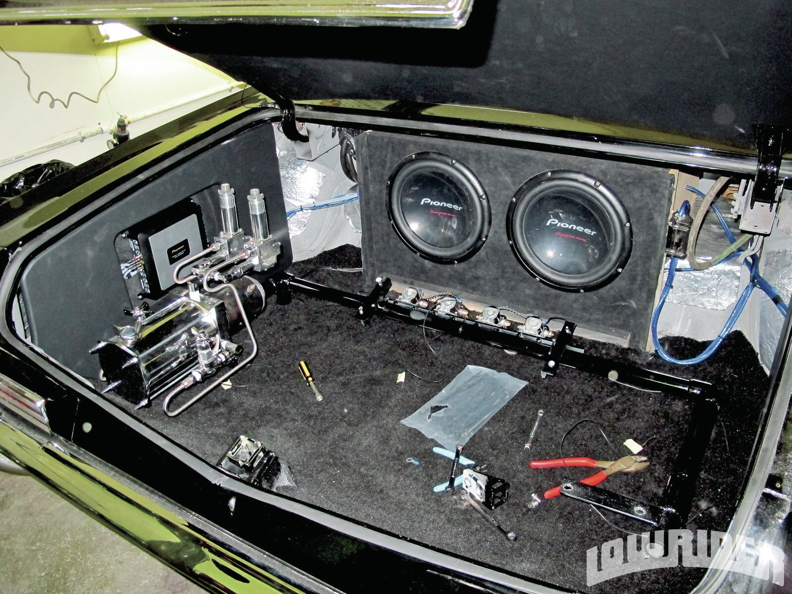 toyota rav4 radio wiring diagram images toyota rav4 dvd player cr v vs toyota rav4 besides battery isolator switch wiring diagram