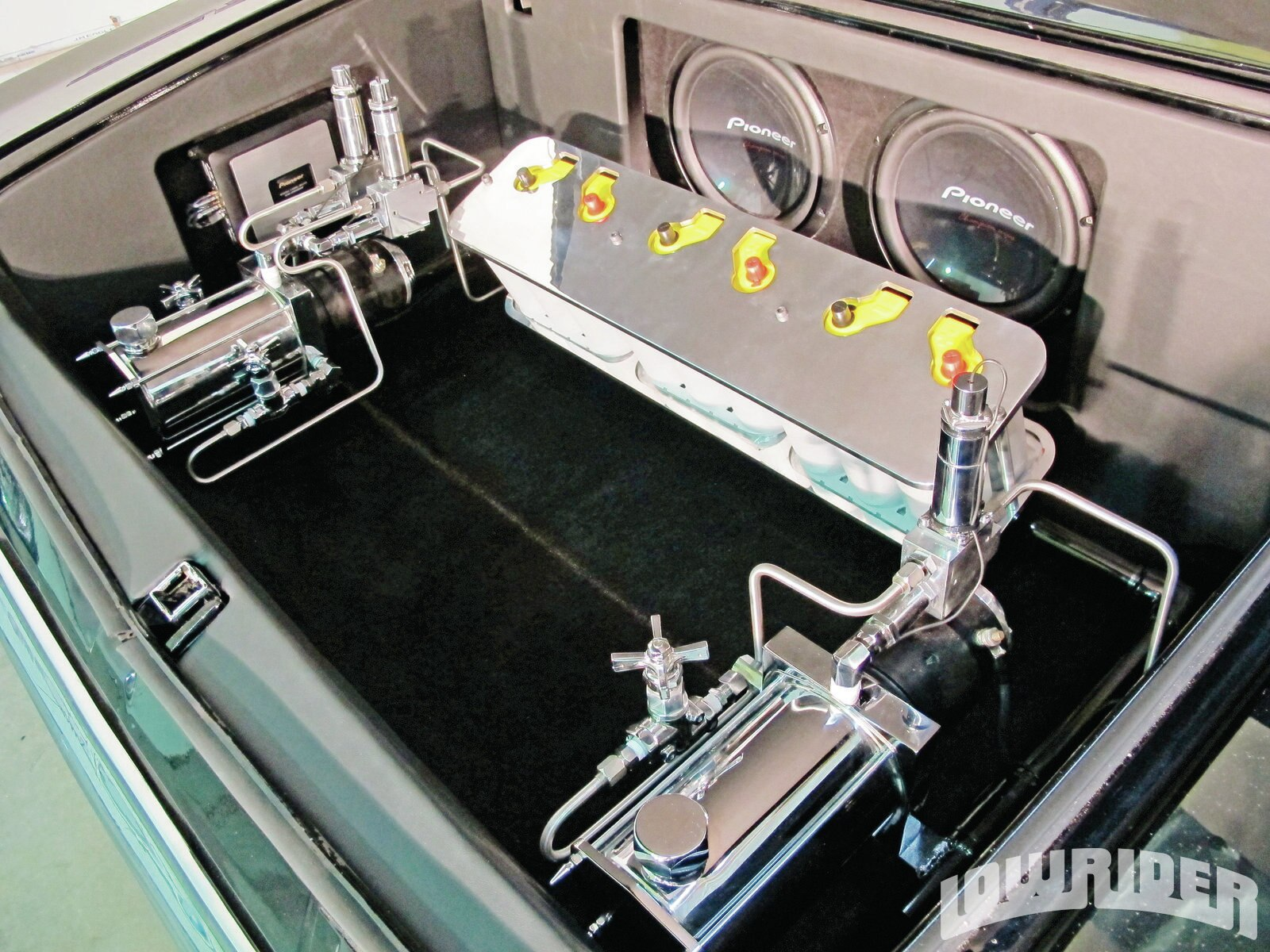 1203-lrmp-26-o-pioneer-equipment-trunk-compartment-custom-trunk-setup1