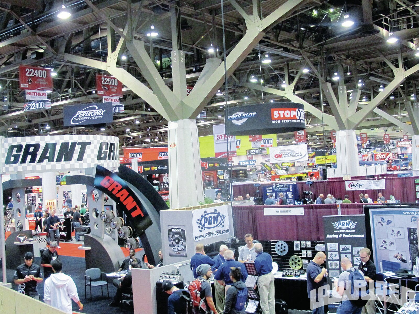 1204-lrmp-05-o-specialty-equipment-market-association-show-2011-sema-show1