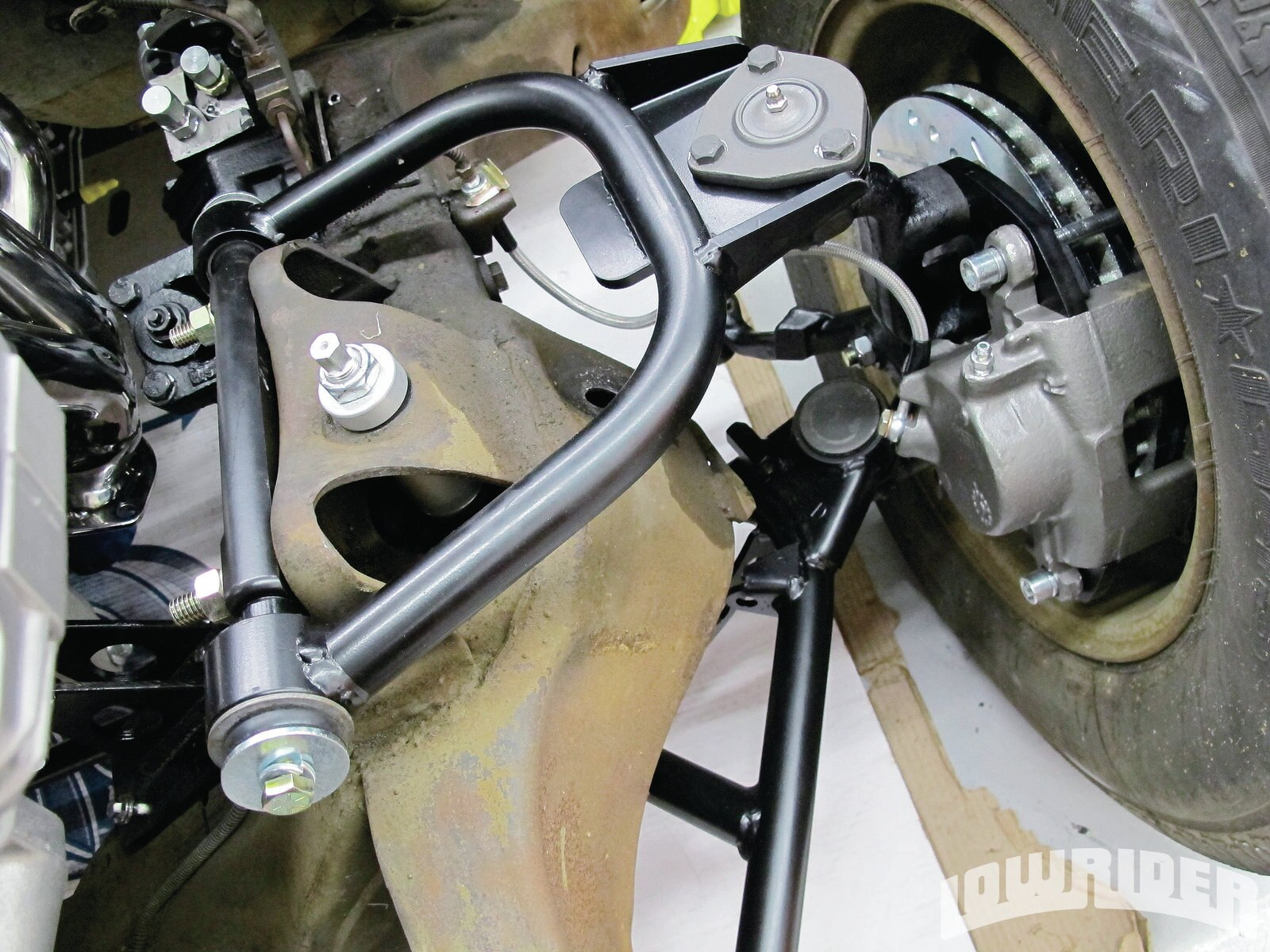 1204-lrmp-35-o-RideTech-tubular-control-arms-CPP-brake-kit-install-front-suspension1