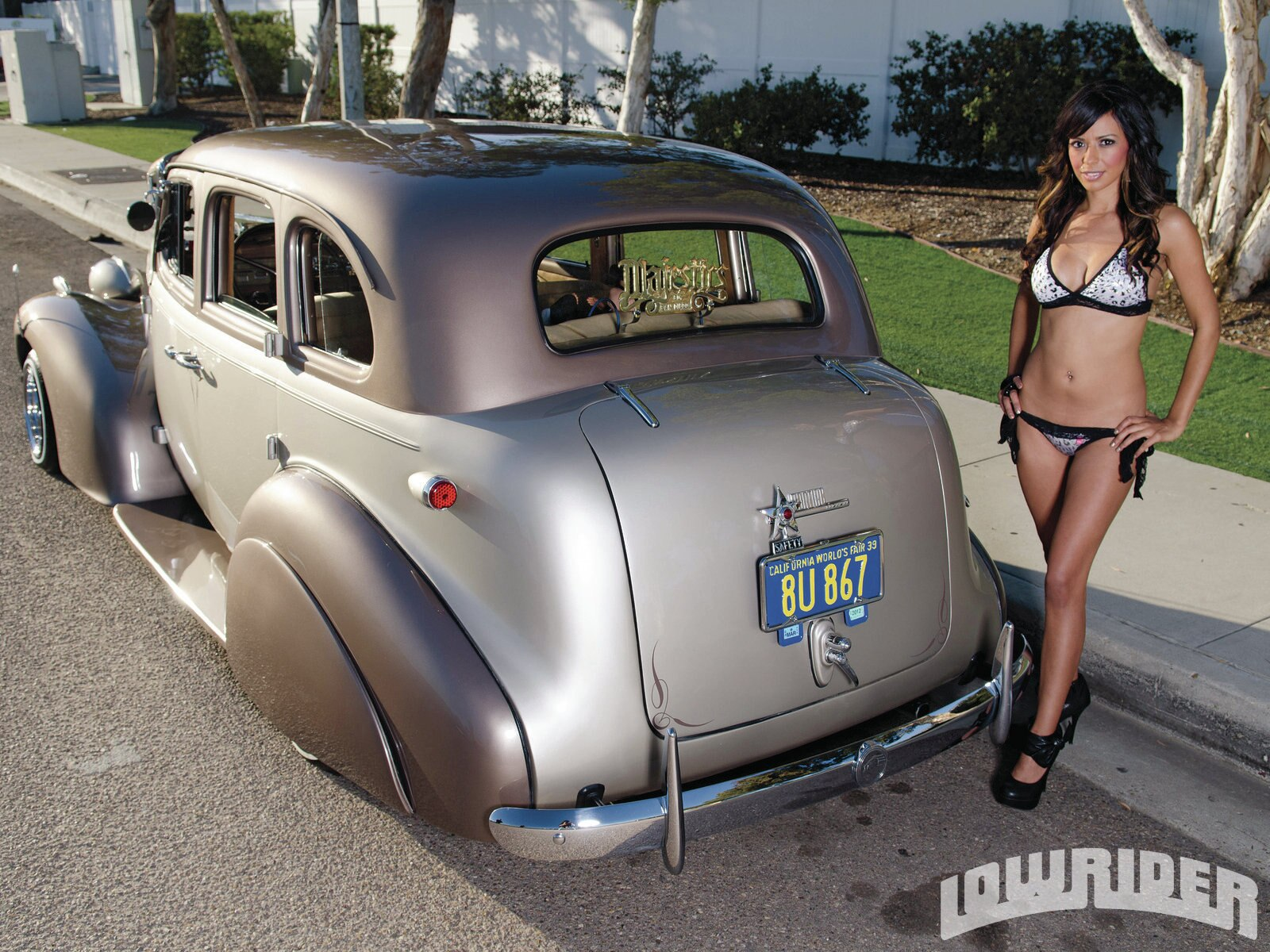1205-lrmp-04-o-1939-pontiac-chieftain-rebeca-meza