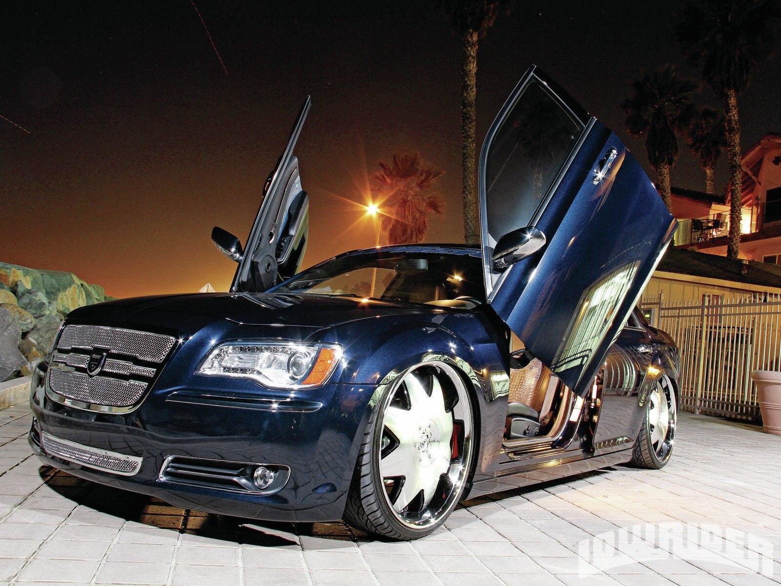1207-lrmp-01-o-2011-chrysler-300-lambo-doors1
