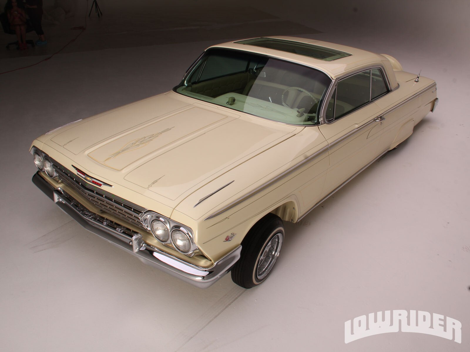 1211-lrmp-33-o-1962-chevrolet-impala-driver-side-front-view1