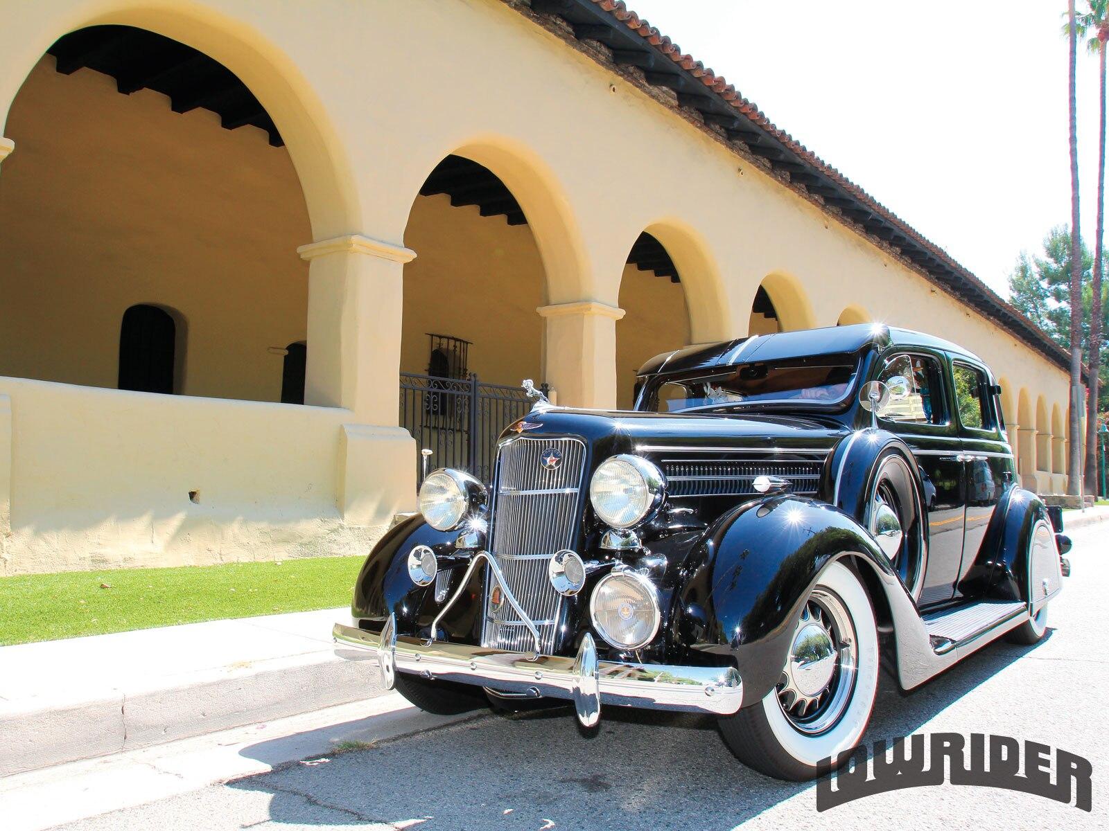1212-lrmp-01-o-1935-dodge-touring-sedan-driver-side-front-view1