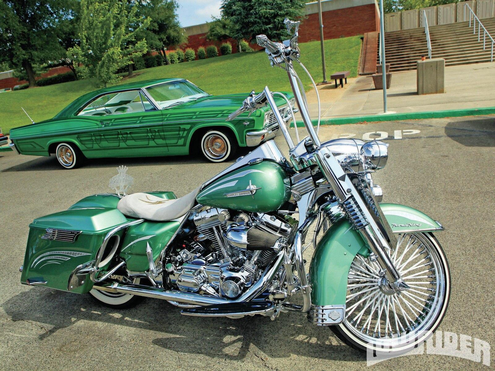 Harley Riders: Socios Car Club 10th Annual Car Show