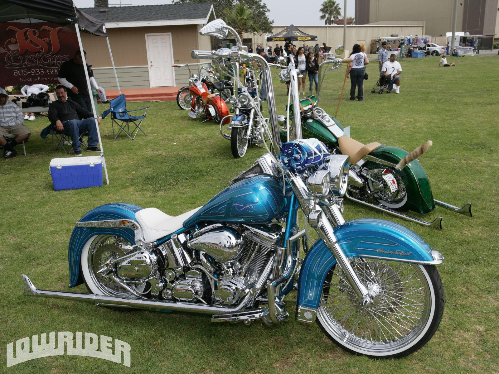 Maxresdefault further Harley Davidson Heritage Softail Seat moreover Maxresdefault further Harley Davidson Flstn Heritage Softail Nostalgia Fender moreover Lrmp O California Car Cycle Super Show Heritage Softail. on custom heritage softail lowrider